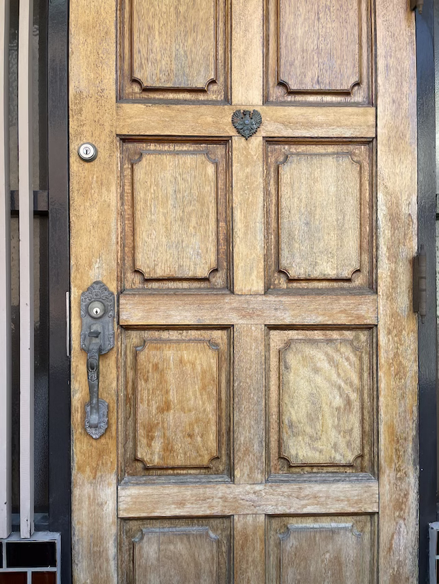 玄関ドア塗装 塗膜剥がし前