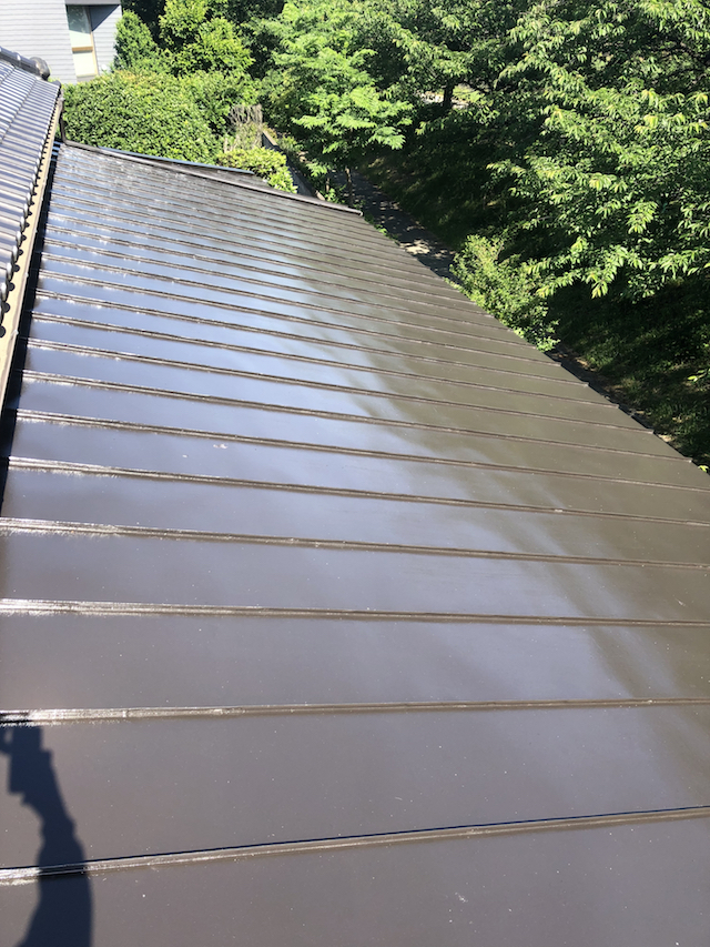 ガルバニウム屋根上塗り